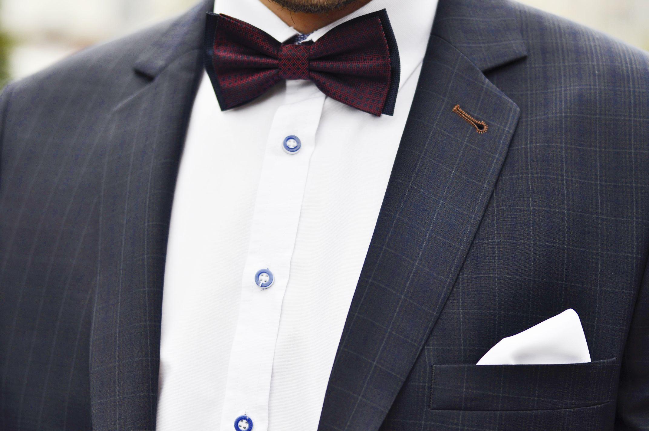284a363c5aace Każdy Mężczyzna powinien mieć chociaż jeden garnitur, w naszym salonie  chętnie doradzimy i pomożemy wybrać odpowiedni garnitur w zależności od  okazji oraz ...